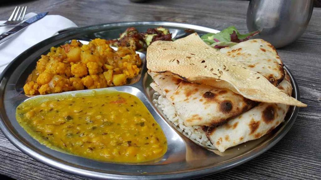indisk mat med kryddor