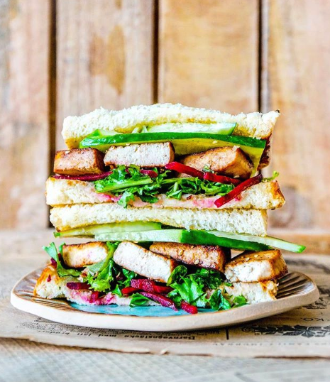 healty holistic view vegansk sandwich bibimbap